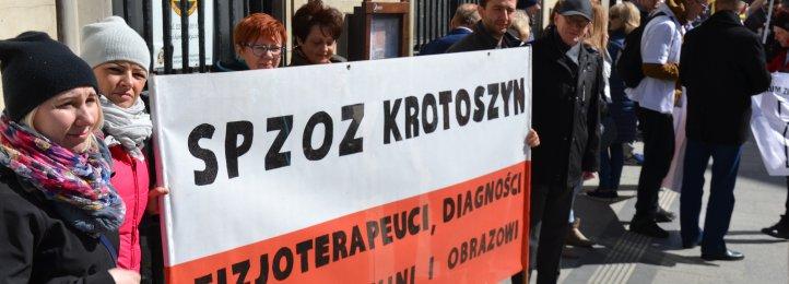 Nasi związkowcy w Warszawie. Manifestacja w sprawie poprawy sytuacji szpitali powiatowych